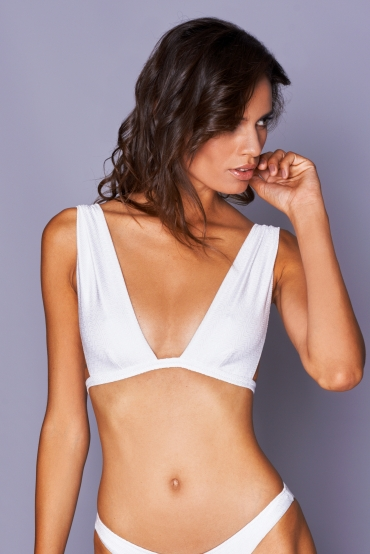 Clitia White Wave Top